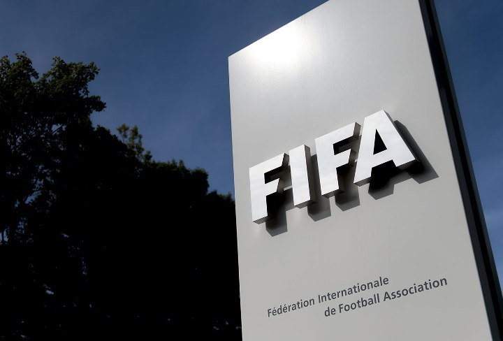 فيفا توقف 3 مسؤولين مدى الحياة بسبب الفساد