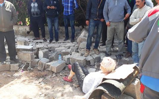 وزير الصحة يصيب سائحين بجروح