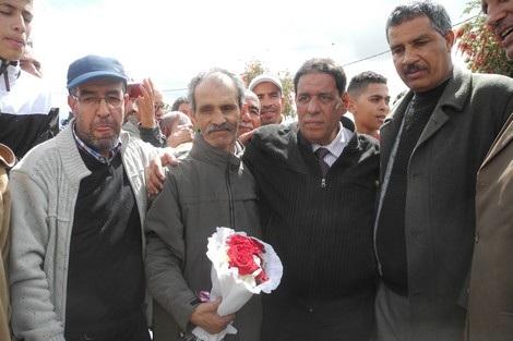 صورة أستاذ خريبكة تفضح واقع التعليم بالمغرب وحملة تضامن واسعة معه