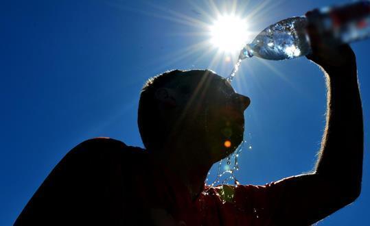 عودة الحرارة إلى معظم المناطق الأربعاء