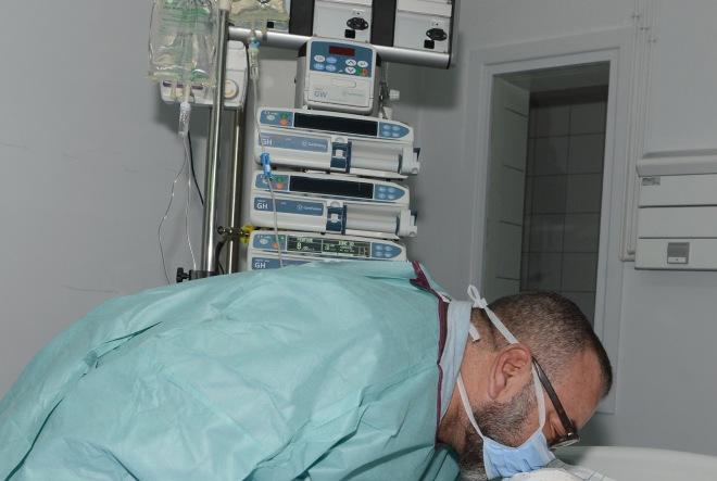 الملك محمد السادس يطمئن على المصابين في فاجعة قطار بوقنادل