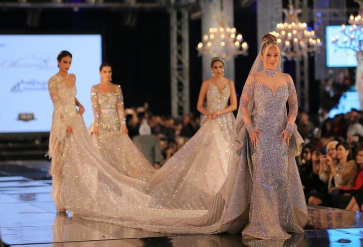 فستان زفاف بـ 10 ملايين دولار ارتدته الفنانه نيكول سابا في عرض أزياء يثير الجدل