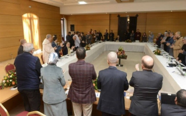 البيجيديون يصفقون لحامي الدين بعد أن شنف العثماني سمعهم بمعزوفتهم المفضلة