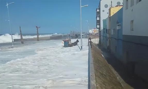 نشرة إنذارية.. رياح قوية وأمواج خطيرة يومي الثلاثاء والأربعاء شمال المغرب