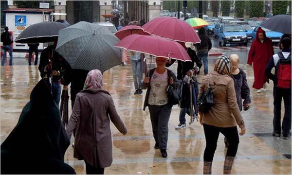 توقعات أحوال الطقس الثلاثاء.. زخات مطرية بهذه المناطق