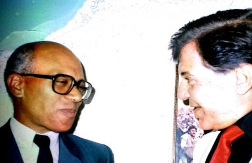 وزير الصحة الأسبق الطيب بن الشيخ في ذمة الله بعد صراع طويل مع المرض