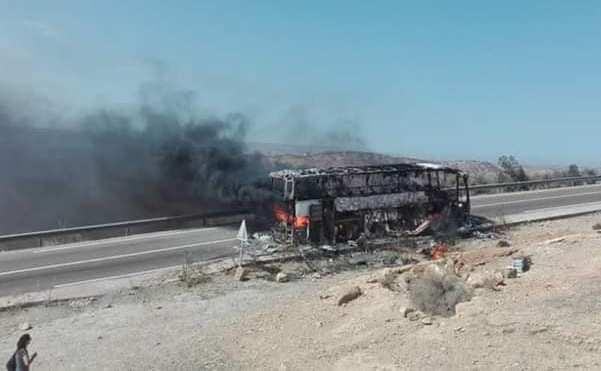 احتراق حافلة لنقل المسافرين عن آخرها بين الصويرة وأكادير