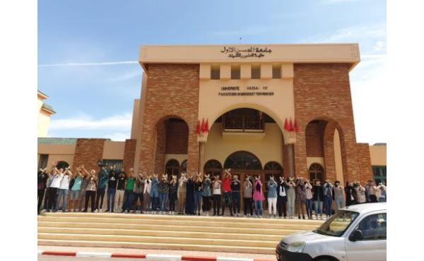 """طلبة """"FST سطات"""" يخوضون اعتصاما مفتوحا لـ 17 يوما"""